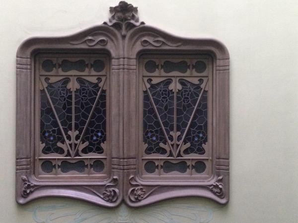 Window casement 2, Carrer de Provença, Barcelona–Bill Sinclair.jpg